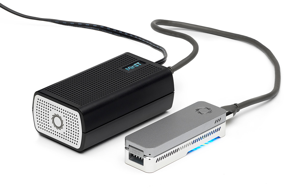 MinIT - analysis and device control accessory for nanopore DNA sequencing